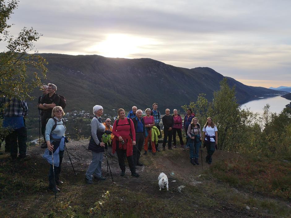 Mandagstur til Mølnelva i Beisfjord i 2019, da vi kunne stå nærmere enn en meter.