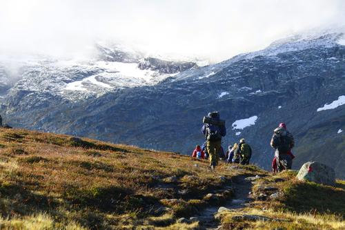 Bildet er tatt på en tur til Snota i Trollheimen. Turen ble arrangert av Bygningslinjens turgruppe (Vandrende Bjelke) ved NTNU i Trondheim.