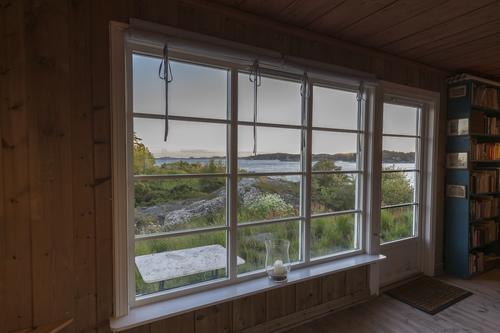 Inne i hytta på Gammeløya utenfor Kristiansand