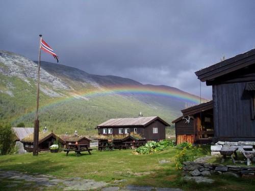 Regnbue over Sota Sæter