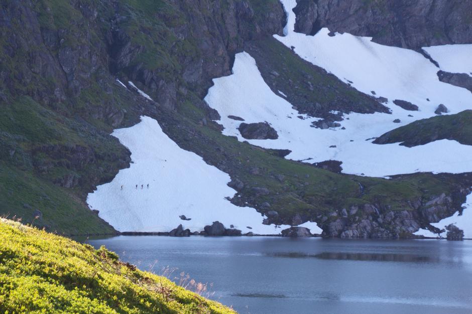 Lørdag 15.8: Stor fonn ved Storlitjørn. Rute Småbrekke - Gullhorgabu. Benytt alternativ rute på vestsiden av vannet med små barn/dårlig skotøy.