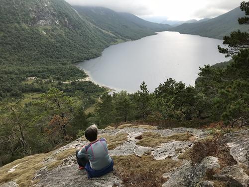 Frå stien mellom Myrdalsvatnet og Nordlifjell