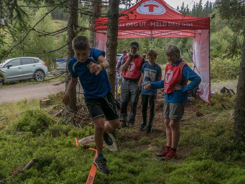 Å gå på slakk line blir én av aktivitetene på Råsjøen