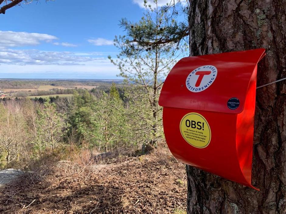 Turpostkassene - denne er fra Bygdeborgen, Hjertås.