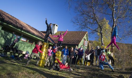 Sponsa plassar på friluftsleirar for barn og ungdom