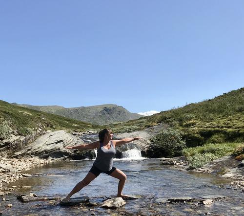 Yoga i fjellheimen