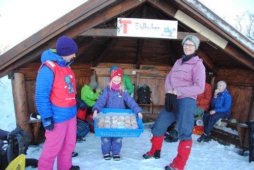 Barnas Turlag Tromsø sin flotte gapahuk - Eidhuken!
