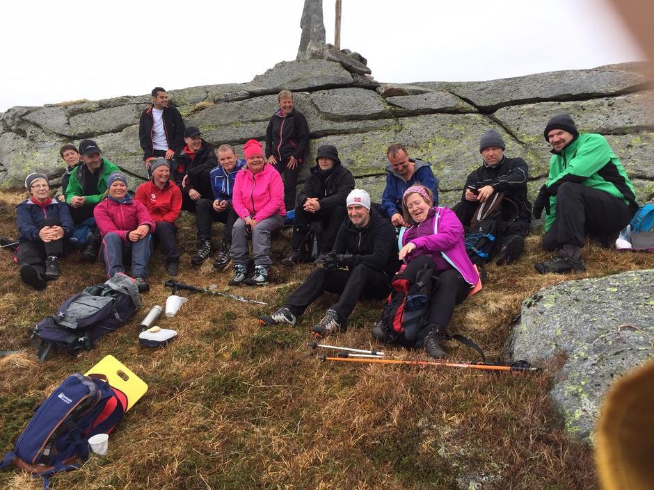 Spreke turdeltakarar på toppen av Robba.