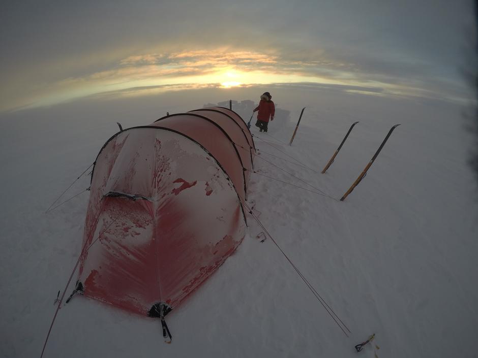 Linda Eirin Eiken og Therese Moe Øye holdt foredrag om kryssing av Grønland