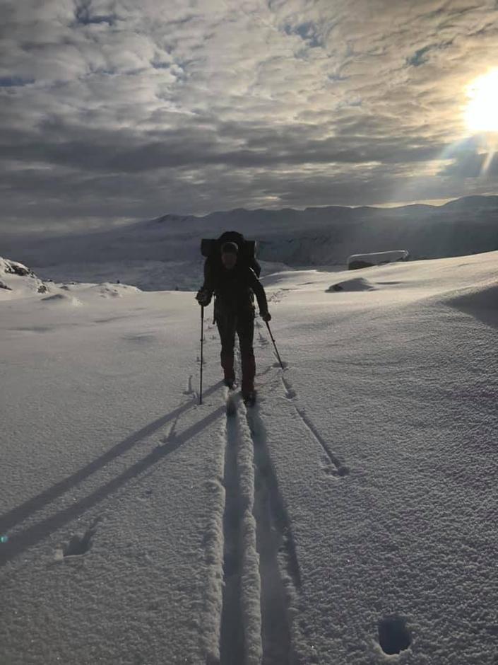 Fint skiføre, men litt tynt enkelte steder. På vei til Danskehytta 10. november.