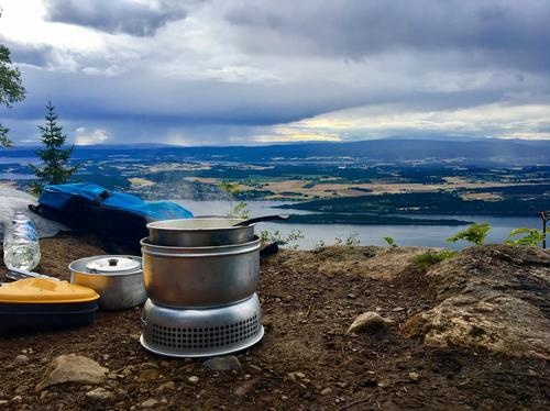 Middag på toppen av Mørkgonga