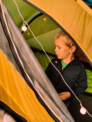 Koselig med lys i teltet