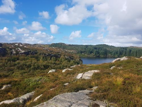 Storavatn på Lokøy.