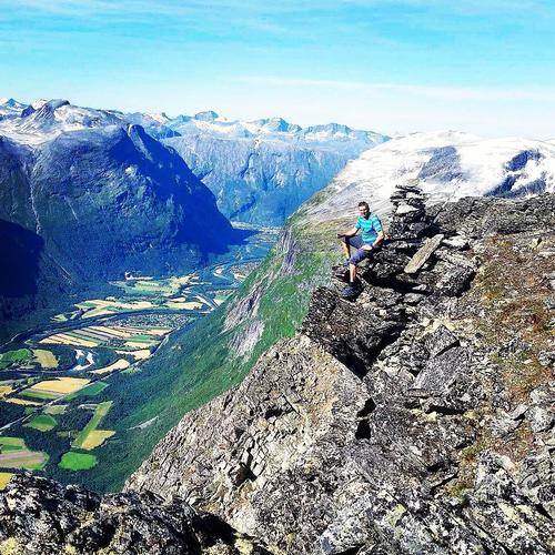 Tonny på toppen av Hoåsnebba