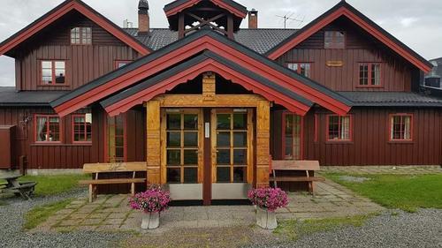 Seniorar frå Onsdagsgruppa med turar og andre aktivitetar på Golsfjellet 16.-21. august 2020