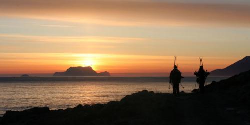 Lyngsfjorden i solnedgang