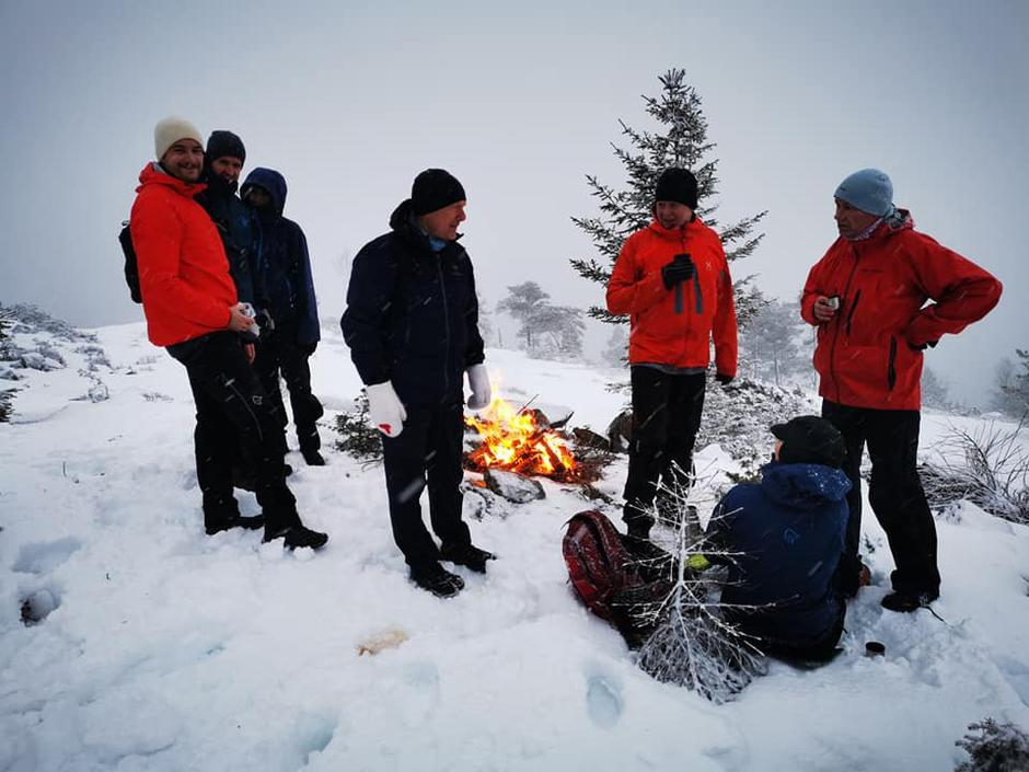 I 20 år har dei halde tradisjonen med å gå på Hafstadfjellet nyttårafta i hevd.