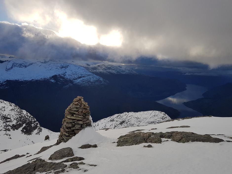 Onsdag 10.10: På vei opp Skåla