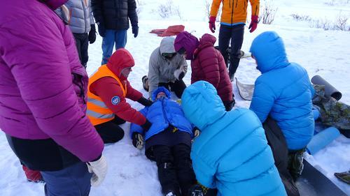 Instruksjoner ute i sneen