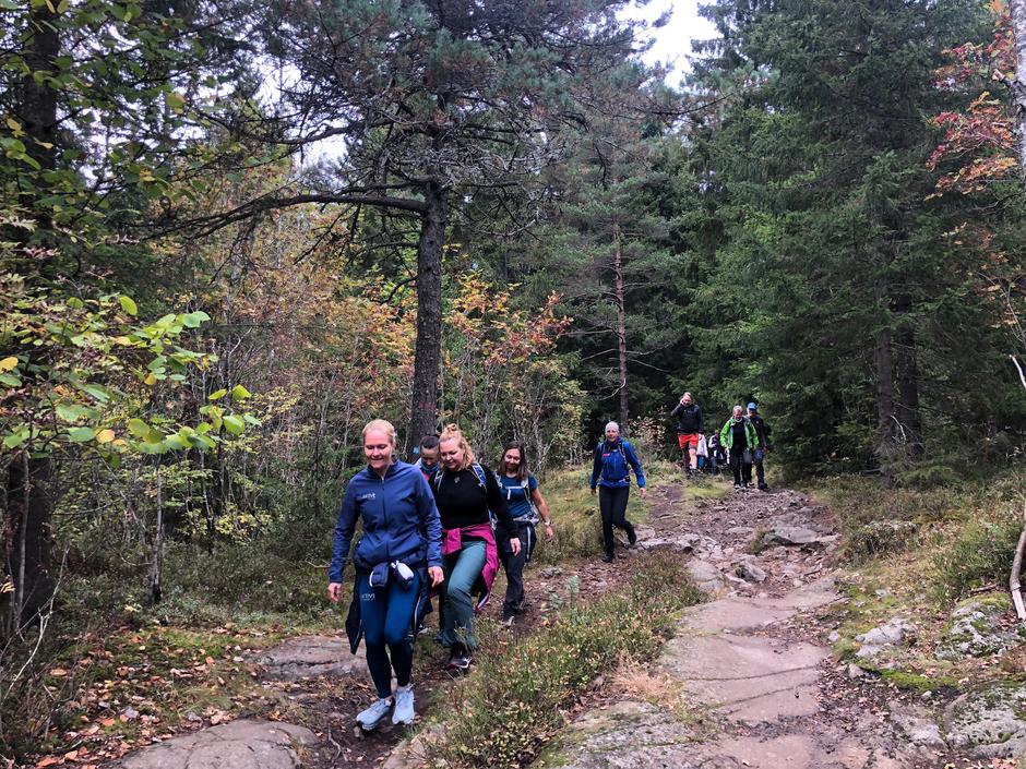 Etter seansen ved Rikshospitalet gikk turen videre innover i skogen.