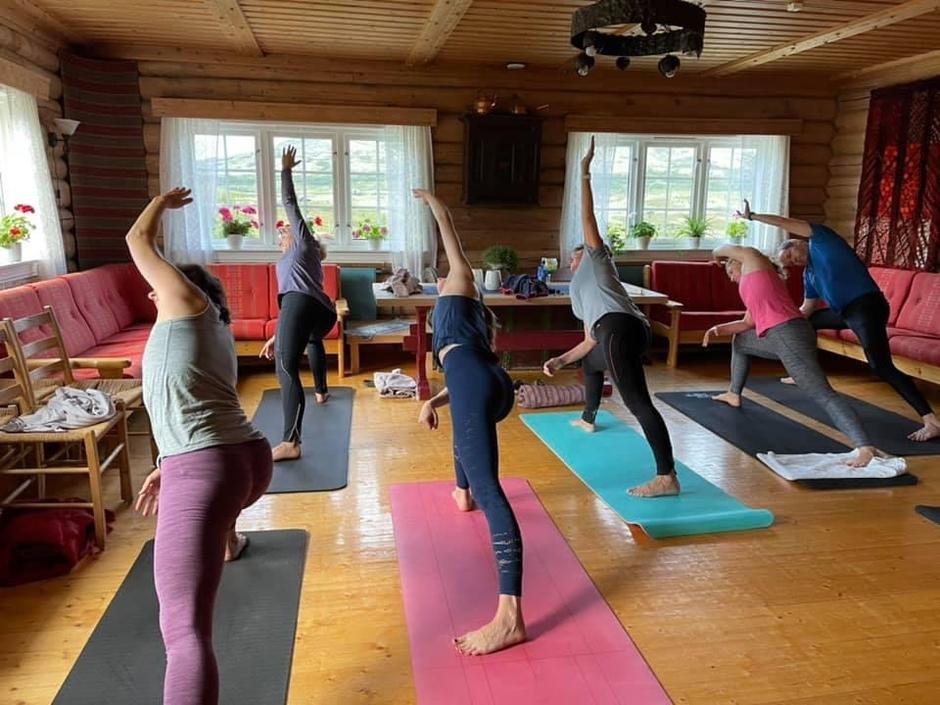 Fin start på dagen med yoga fra kl 7-8