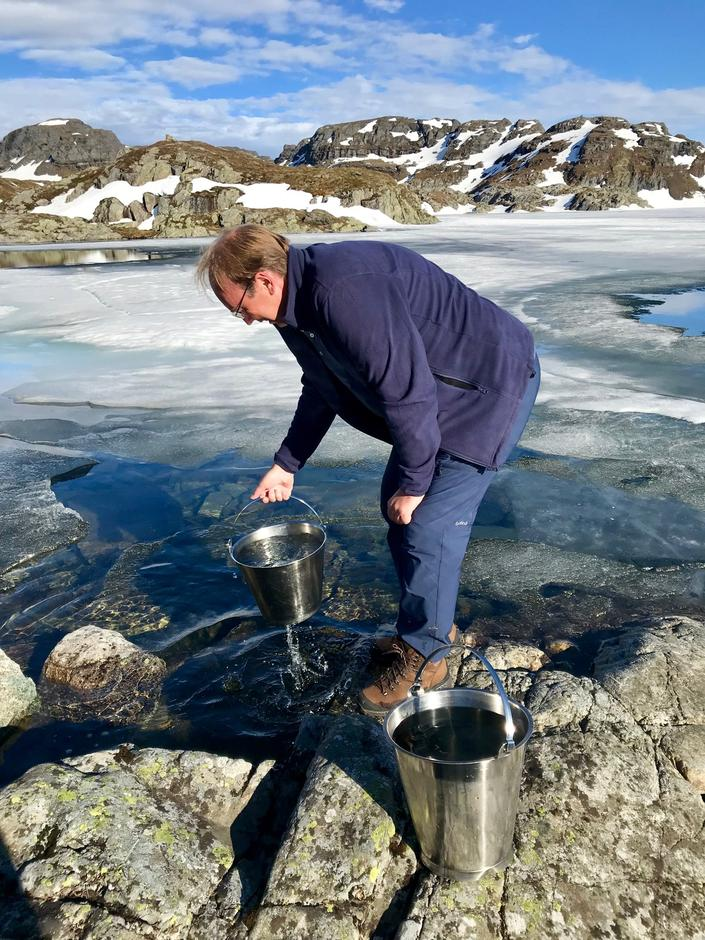 Ingenting smaker så godt som iskaldt fjellvann