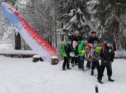 Vinterleg KOM DEG UT DAG ved Kleivvann 5. februar