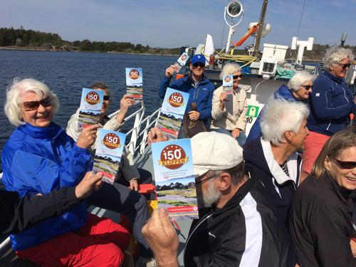 48 fornøyde seniorer var med på båttur til Malmøya 12. mai.