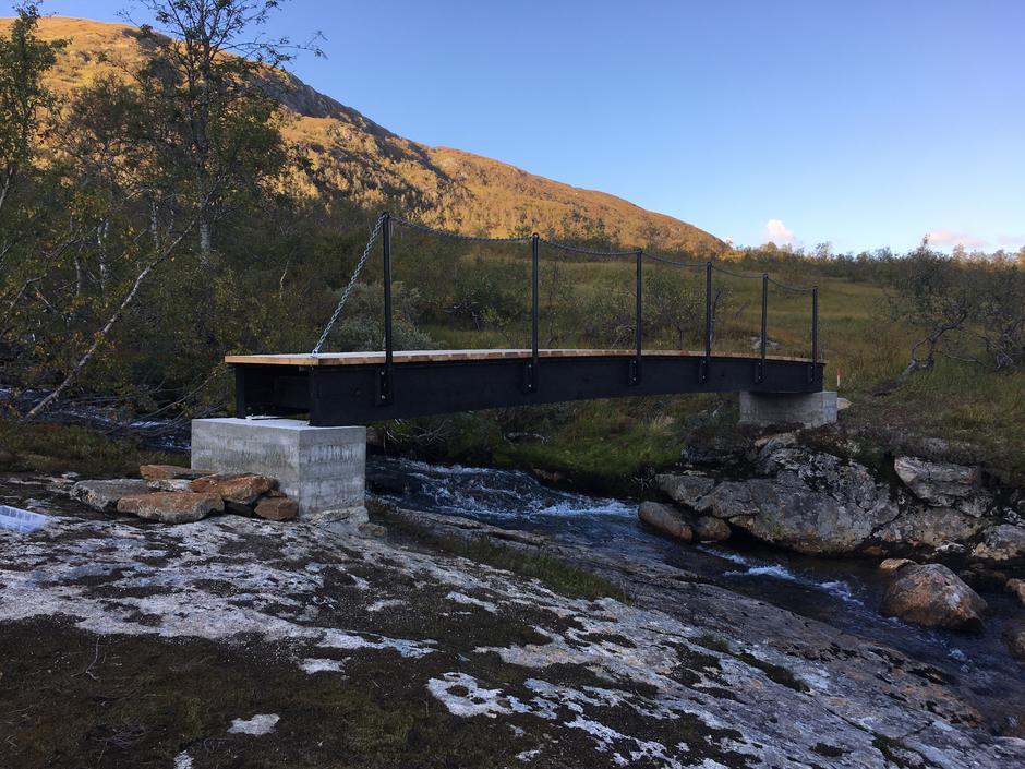 Onsdag 5.9: Ny helårsbro over Dårlielven ved Solrenningen i Stølsheimen.