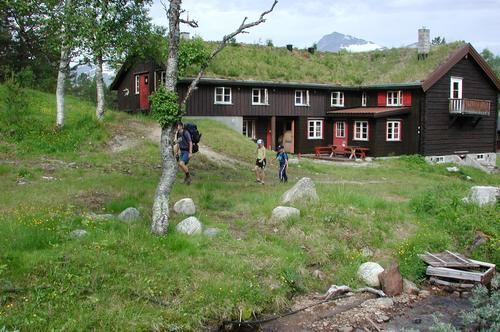 Har du lyst å jobbe på ei turisthytte i fjellet ?