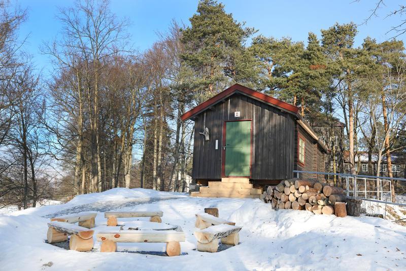 Hovinkoia ligger så høyt og fritt på Friluftsområdet på Norsk Folkemuseum på Bygdøy. I vinterferien blir det aktiviteter for store og små.
