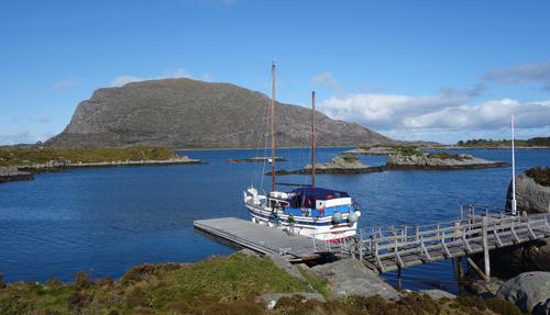 I uthavn på Hillersøy ved Batalden i Flora