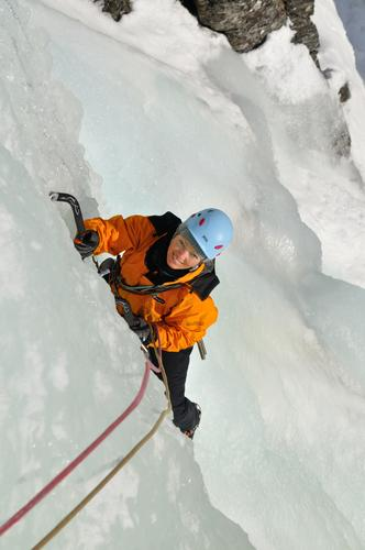 Ågot klatrer is.