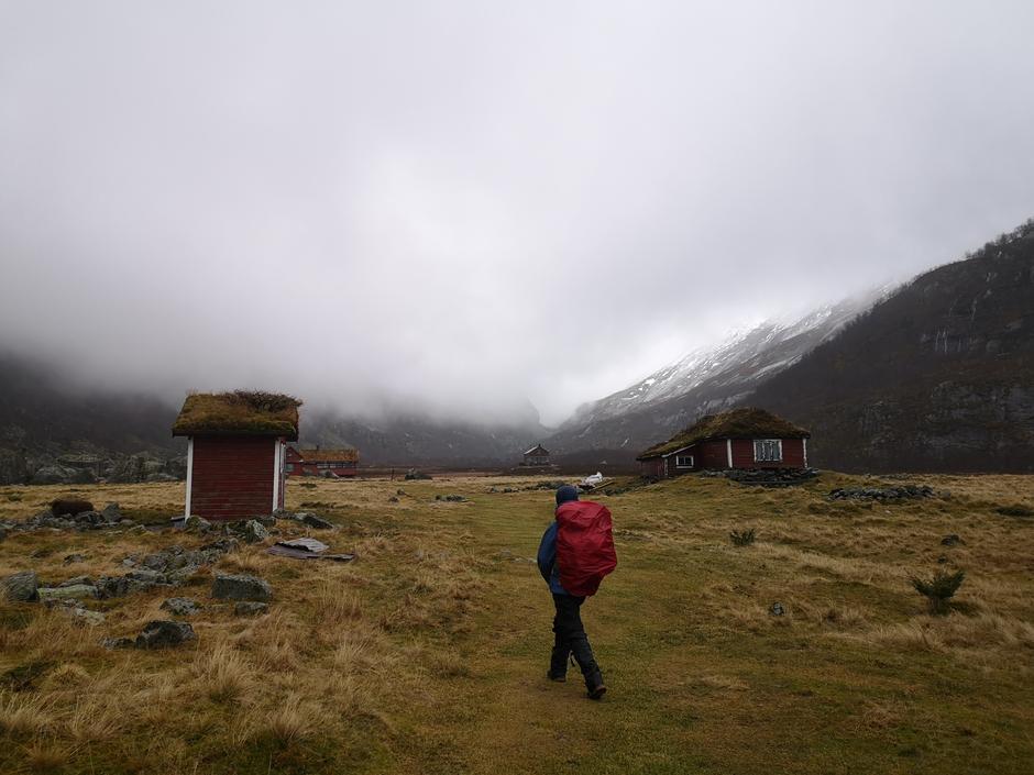 Barmark helt opp til hytta i Viglesdalen.