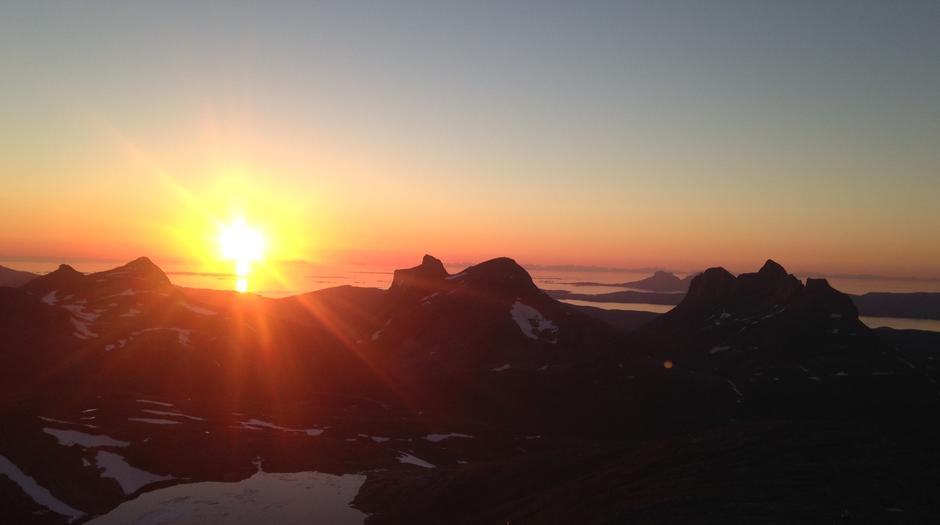 Utsikten fra Lurfjelltinden, Bodø's høyeste fjell.