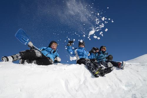 Gutta i snøen