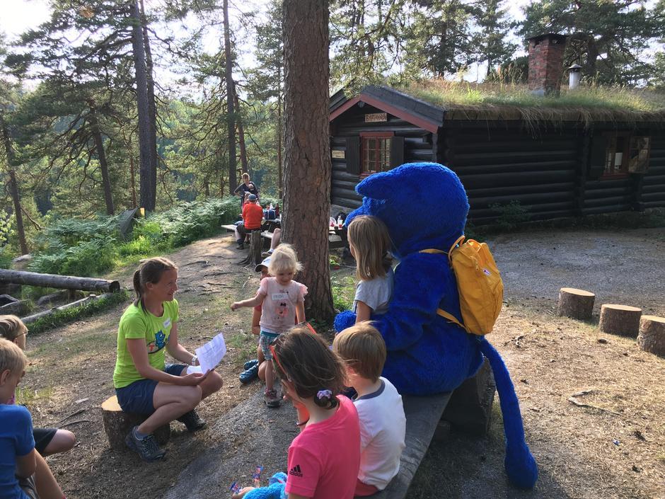 Barnas Turlag Asker på overnatting på Småvannsbu