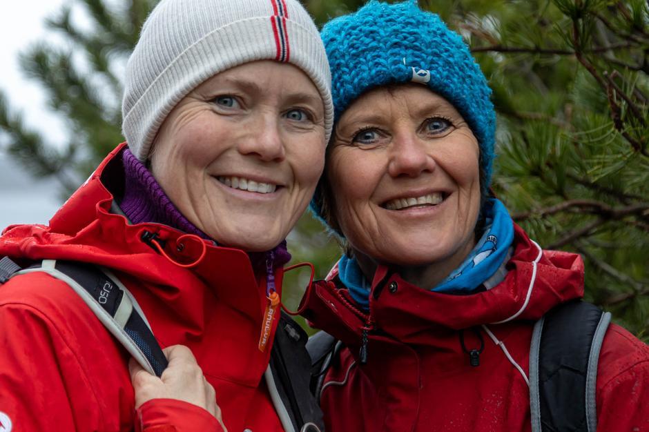 Søstrene Gro Halten og Elin Maridal