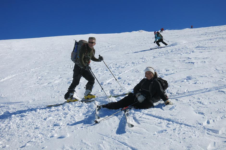PÅSKEMORO: På Grovabreen er det som regel fin snø og rikeleg med plass til å kunne leike seg.