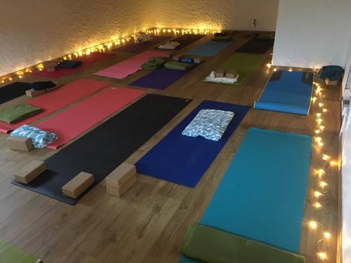 Yogamatter i aktivitetsrommet på Alexander Grieghytta
