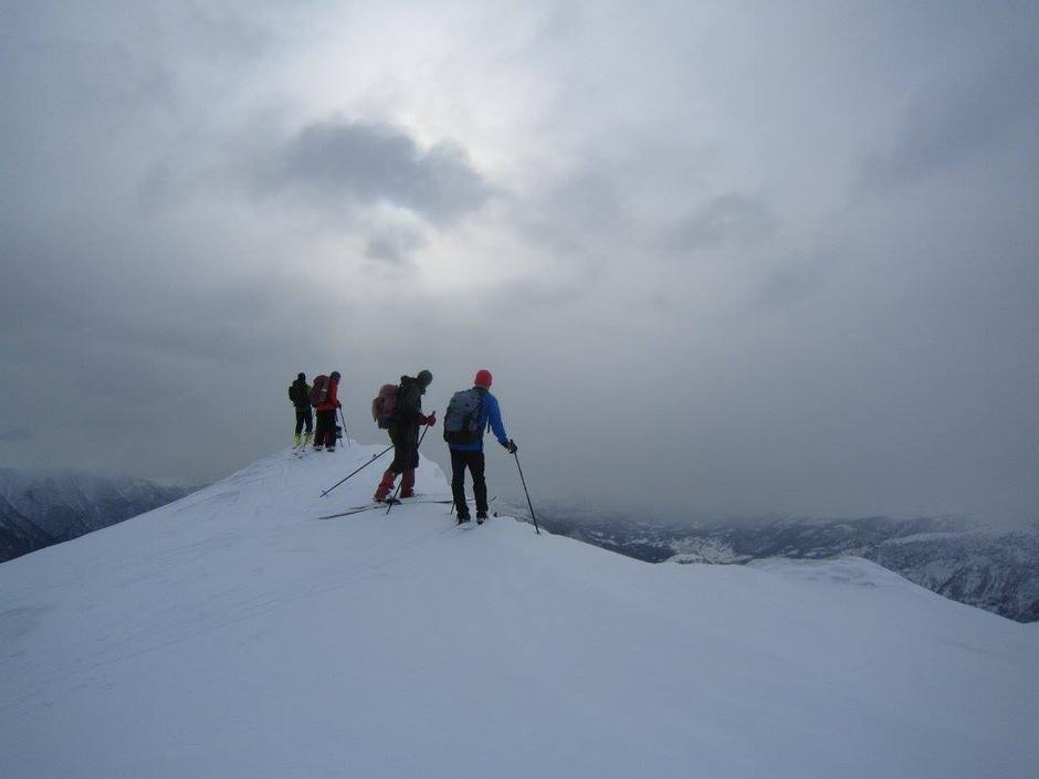 Frå småtopp til småtopp i 11-1200 meters høgde.
