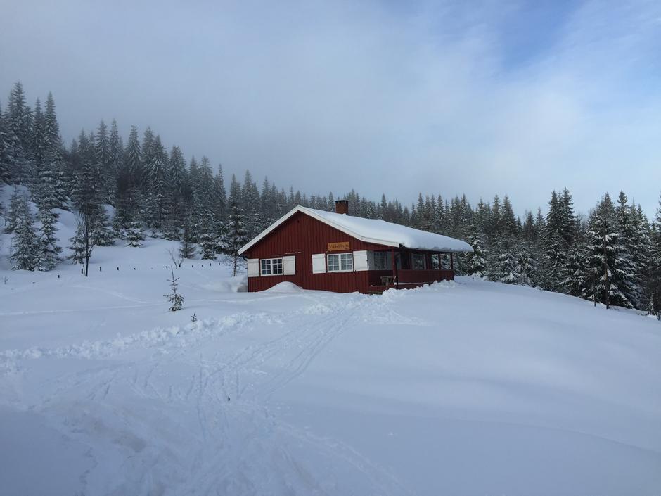 Vikkelihytta på Nordåsen, ved Store Vikka er en ubetjent DNT hytte. Overnatting kan bestilles på dntoslo.no/marka. Nannestad Turlag har tilsyn med hytta.