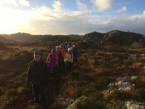 Seniorene i Fjell Turlag gikk Fjæreidvannet rundt 25 november.