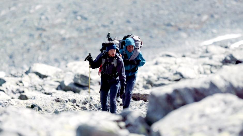 SMERTEFULLT: Det betydde ekstra mye for Rodrigo å nå toppen av Snøhetta etter at en kranglete akillessene holdt på å sette en brå stopp for turen.