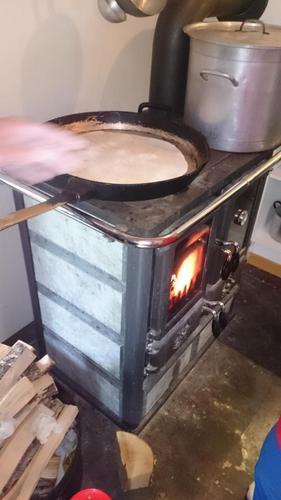 Flatbrød lages på ovnen