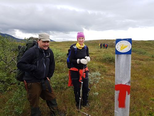 Ved Sulsjøan, her er T-stien og Karolinerleia sammenfallende