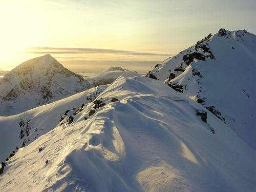 Kvannfjellet er et fjell på grensa mellom Fræna og Eide kommuner i Møre og Romsdal. Toppen på 981,4 moh. En fin tur som de fleste kan greie. Bildet er tatt i vinter i 2015.
