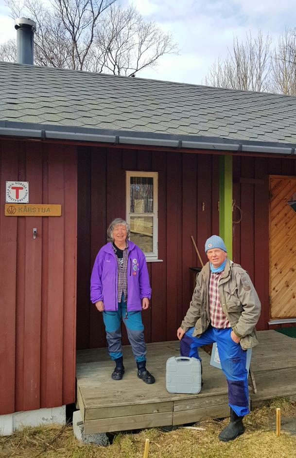 Hyttevertene på Kårstua, Kari Røed Hansen og Alester Hansen.