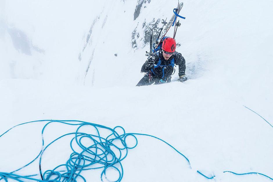 Fjellsportgruppa er for deg som liker å gi deg selv en ekstra utfordring. Dette er fra grunnleggende kurs i skialpinisme.