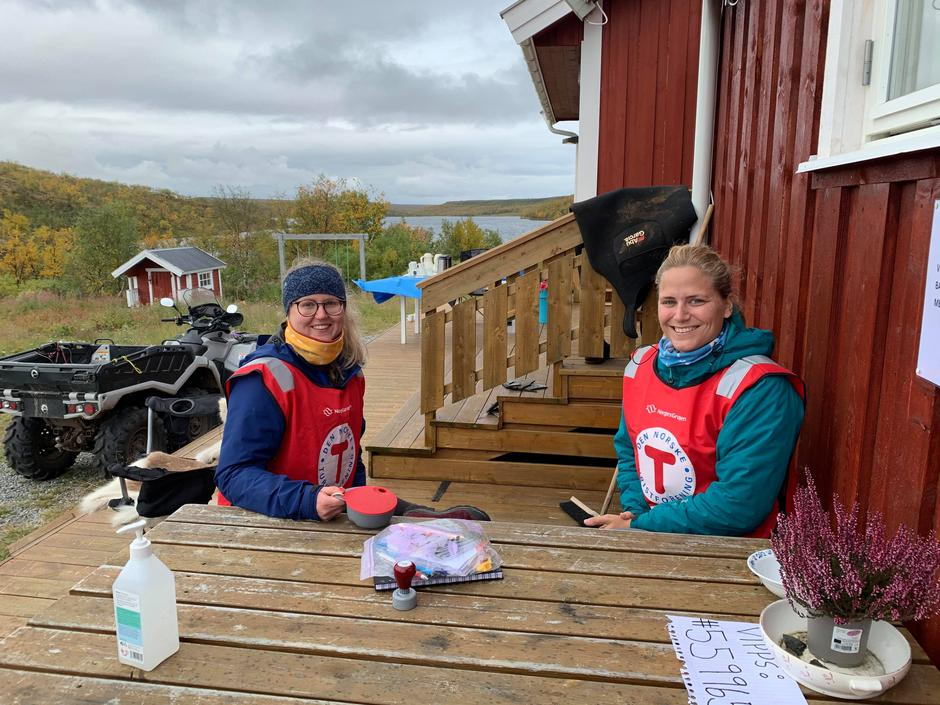 Medhjelpere på kom deg ut-dagen på Jotka fjellstue